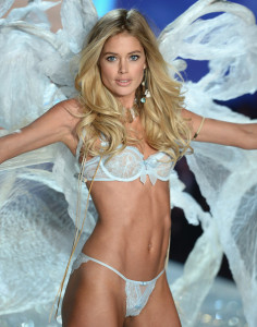 Doutzen Kroes - Victoria's Secret Show 2013